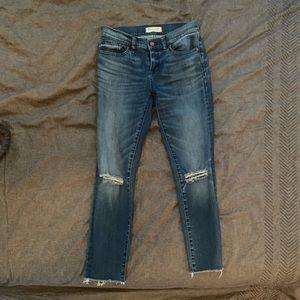 "Made well ""skinny skinny"" distressed jean. SZ 26"